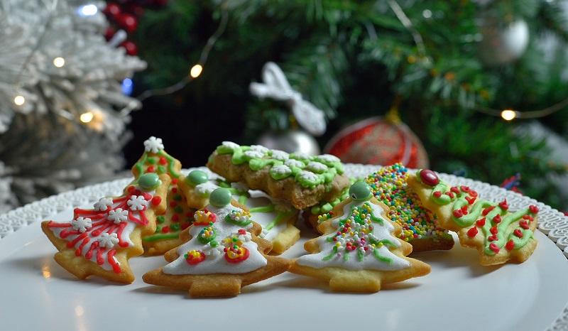 biscotti di pan di zenzero a forma di albero di Natale con farina del Mulino Ballesio